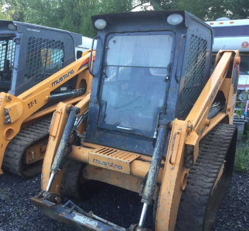 2016 Mustang 2100RT Compact Track Loaders